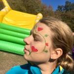 Kinderschminken und Glitzertattoos buchen